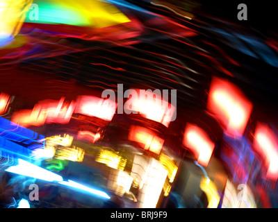 Des lumières colorées de flou abstract Banque D'Images