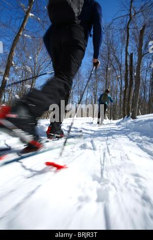 Ski nordique femme jouit d'en Virginie-Occidentale. Banque D'Images