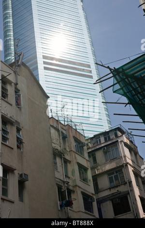 Contraste entre l'ancienne et la nouvelle architecture à Hong Kong Banque D'Images