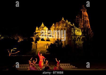 Festival Khajuraho de danses. L'Inde Banque D'Images