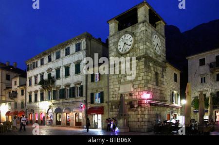 Le Monténégro, Kotor, place d'armes, la Tour de l'horloge, Banque D'Images