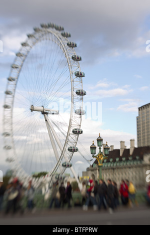 Vue sur le London Eye à partir de Westminster Bridge London, à l'aide de focus sélectif pour mettre en surbrillance Banque D'Images