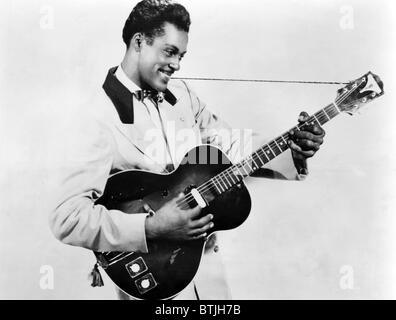 Chuck Berry, vers 1950. Avec la permission de: Archives CSU/Everett Collection Banque D'Images