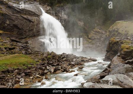 Wasserfaelle cascades Krimmler, Nationalpark Hohe Tauern, Uttendorf, Pinzgau, er, comté de terre , Autriche, Europe