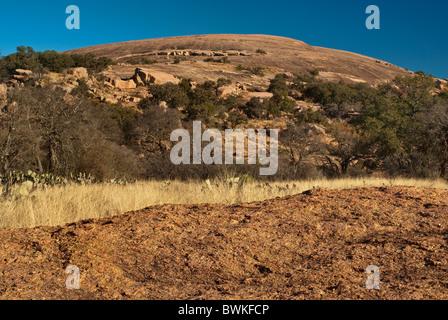 Coupole principale à l'Enchanted Rock State Natural Area, dans la montagne près de Fredericksburg, au Texas, USA