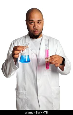 African American man verrerie de laboratoire isolé sur fond blanc Banque D'Images