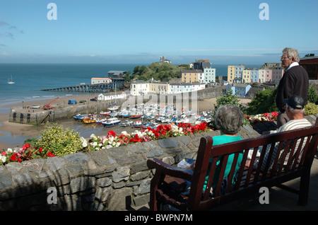 Vue sur le port, Tenby, Pembrokeshire, Pays de Galles, Royaume-Uni
