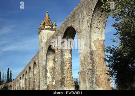 L'ancien aqueduc à Alto Alentejo Evora Portugal Europe Banque D'Images