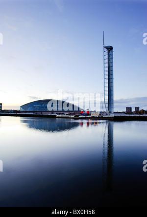 Glasgow Science Centre et tour de la Clyde, Glasgow, Ecosse, Royaume-Uni. Banque D'Images