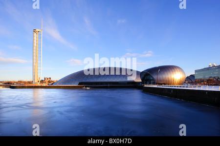 Glasgow Science Centre, de la tour et du cinéma IMAX de la Clyde, Glasgow, Ecosse, Royaume-Uni. Banque D'Images