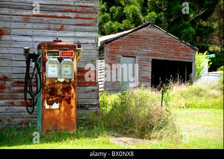 Pompes à essence anciennes Banque D'Images