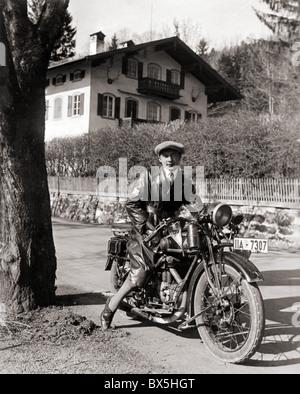 Transport / transport, moto / moto, homme sur une moto, Allemagne, vers les années 1930, droits additionnels-Clearences Banque D'Images