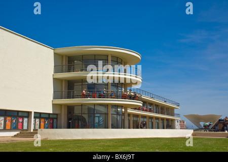 Scène en plein air pour les représentations et l'architecture extérieure, De La Warr Pavilion, Bexhill on Sea, East Banque D'Images