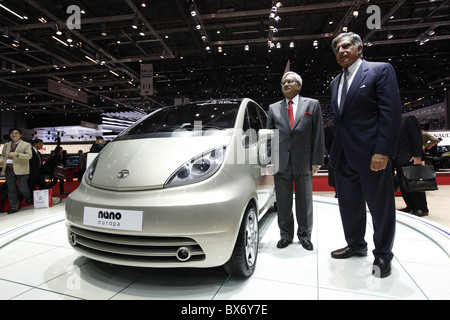 Ratan N. Tata, Ravi Kant, Tata Nano, voiture Banque D'Images