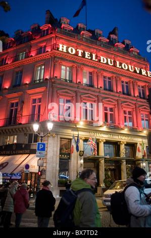 Paris, France, l'éclairage de Noël, 'Hôtel du Louvre' Hyatt