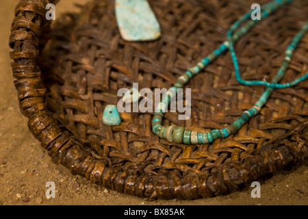 Collier Turquoise au Chaco Culture National Historical Park, New Mexico, USA. Banque D'Images