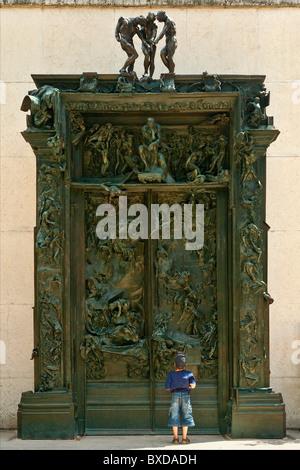 Les portes de l'enfer d'Auguste Rodin situé dans le musée Auguste Rodin, Paris Banque D'Images