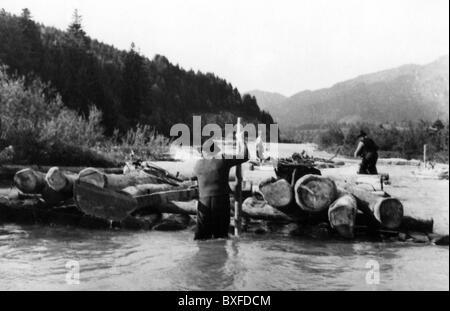 Transport / transport, navigation, rafting, raft sur la rivière Isar près de Lenggries, haute-Bavière, années 1950, Banque D'Images