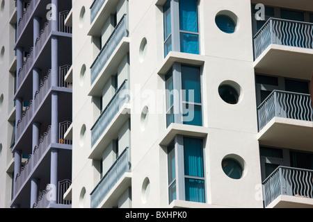 L'architecture Art déco dans des tons pastel, des tours d'immeubles, Ocean Drive, à South Beach, Miami, Floride, Banque D'Images