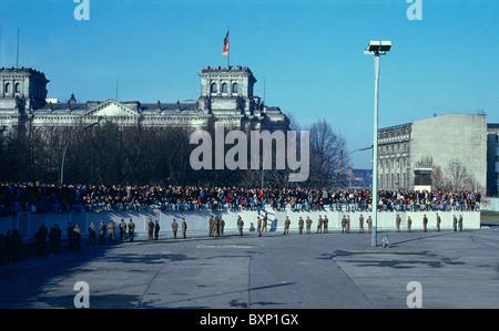 Le mur de Berlin à la porte de Brandebourg, Berlin, Allemagne Banque D'Images
