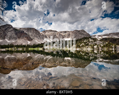 Mirror Lake, Medicine Bow Mountain National Forest, un parc national du Wyoming Banque D'Images