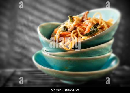 Des légumes sautées chinoises & Noodles Banque D'Images