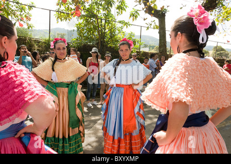 Le jour de l'indépendance des danseurs de la vallée centrale du Costa Rica Banque D'Images