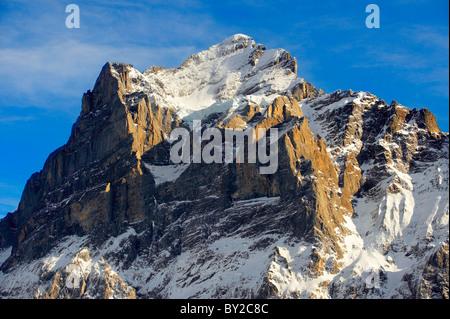 Sur les pistes des Alpes à la recherche vers le Wetterhorn. Alpes Suisses, Suisse Banque D'Images