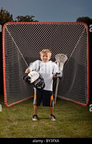 USA, Utah, Provo, Portrait de junior (6-7) joueur dans l'objectif Banque D'Images