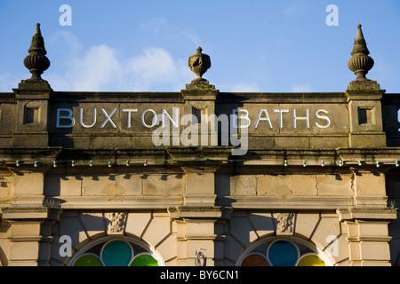 Parapet de l'historique des bains Buxton / baignoire spa / bien // l'eau des puits d'eau de source de guérison / Banque D'Images