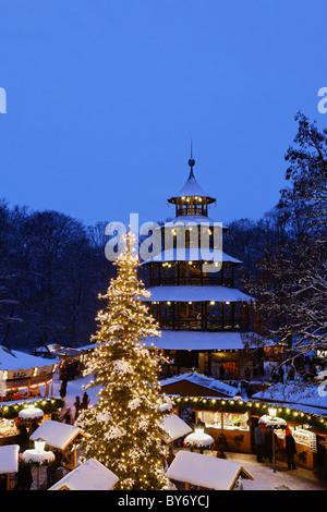 Marché de Noël à la Tour Chinoise, Chinesischer Turm, Englischer Garten, Munich, Bavière, Allemagne
