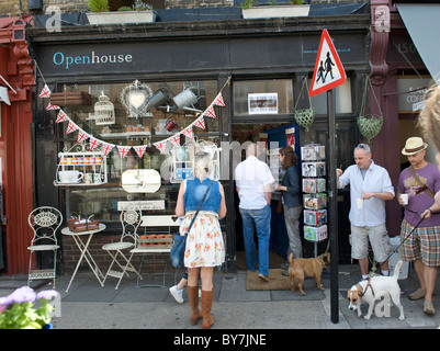 Dimanche Jour de marché aux fleurs sur Columbia Road, London est de Londres. Banque D'Images