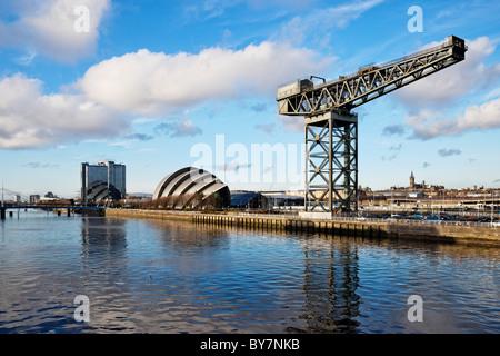 Afficher le long de la rivière Clyde Clyde de l'Arc, Glasgow, Écosse, Royaume-Uni