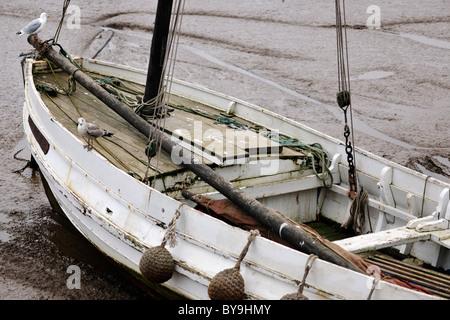 Marée basse dans le port de Bridlington, Yorkshire, Angleterre Banque D'Images