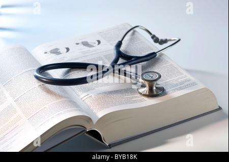Stéthoscope, manuel de médecine