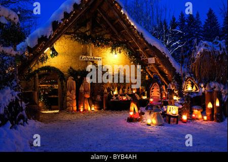 Marché de Noël au stade de la Waldbühne, forêt, Halsbach, Upper Bavaria, Germany, Europe Banque D'Images
