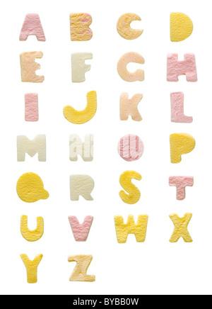 Studio shot of sweet lettres alphabet A-Z, sur fond blanc Banque D'Images