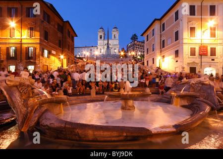 Les touristes sur la place d'Espagne, Rome, Italie Banque D'Images