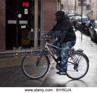 Les bicyclettes vélos Paris France Banque D'Images