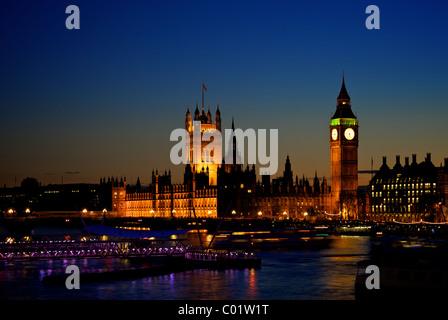 Big Ben et les chambres du Parlement, au crépuscule Banque D'Images