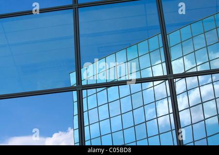 La réflexion de la fenêtre Banque D'Images