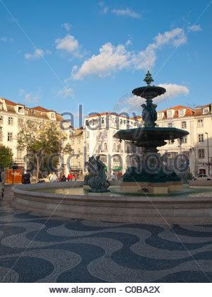 Fontaine dans Lisbonne Rossio quare Banque D'Images