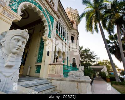 L'extérieur de Cienfuegos Palace Punta Gorda Banque D'Images