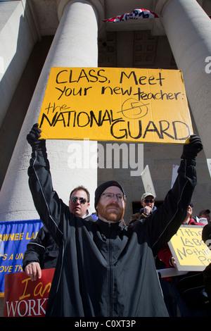 Les membres de l'Union rassemblement à Ohio Statehouse contre Gouverneur Kasich a proposé une législation Anti-Labor Banque D'Images