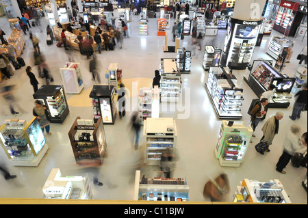 Duty-free zone, l'Aéroport International de Doha, Doha, Qatar, en Asie