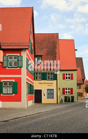 Dinkelsbühl, Bavière, Allemagne. L'architecture traditionnelle bavaroise dans la vieille ville médiévale sur la Banque D'Images