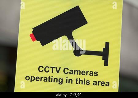 Caméra de vidéosurveillance avertissement signe à l'opération,UK