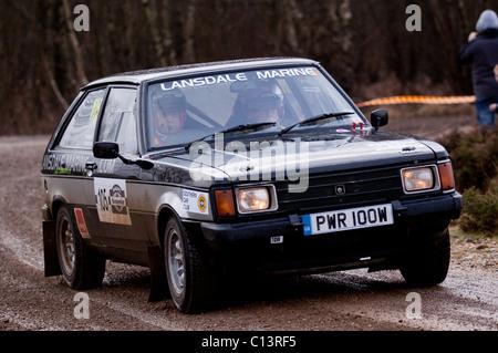 Talbot Sunbeam Lotus fonctionnant par étapes de rallye à Sunseeker Rally, partie de la British Rally Championship Banque D'Images