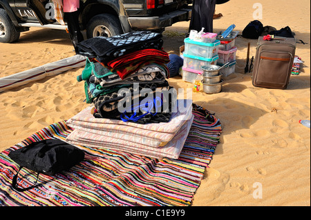 Camp touristique pour une nuitée dans le désert blanc, le parc national de l'Égypte Banque D'Images