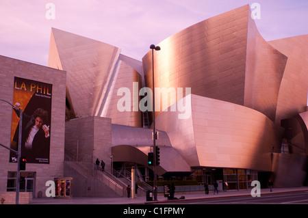 L'architecte Frank Gehry Disney Concert Hall dans le centre-ville de Los Angeles Californie du Sud USA Banque D'Images